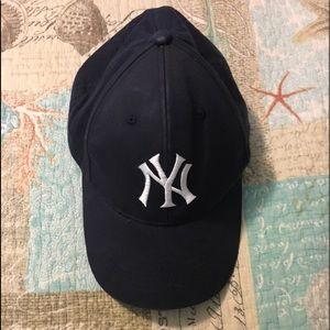 Youth yankee hat